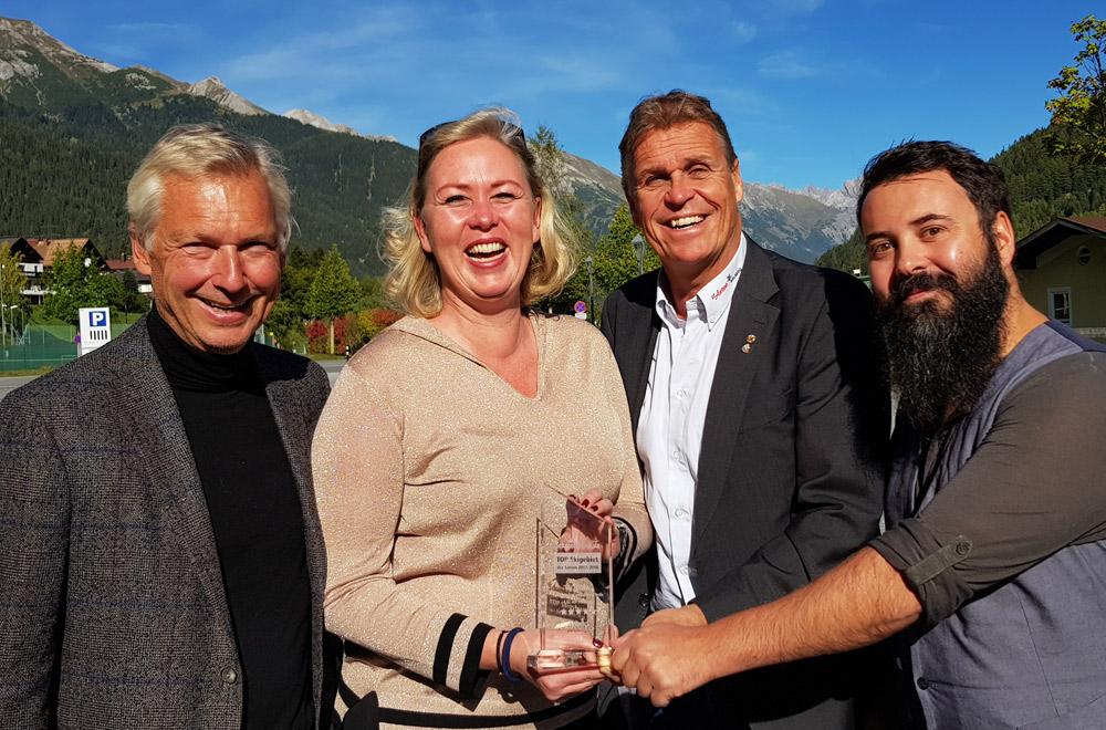 Das Team von Arlberg mit dem Skigebietsaward in der Kategorie Fortgeschrittene/Profis