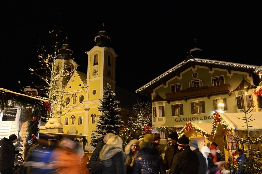 Der Weihnachtsmarkt in St. Johann in Tirol: kulinarisch, stimmungsvoll, echt.