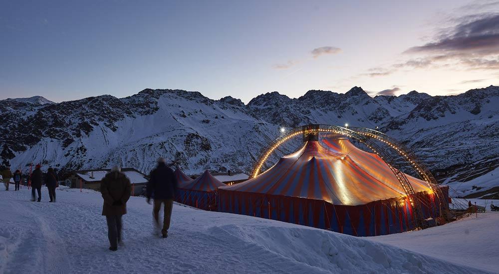 Zelt an der Tschuggenhütte