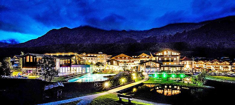 Schneeberg Resort in Ratschings bei Nacht