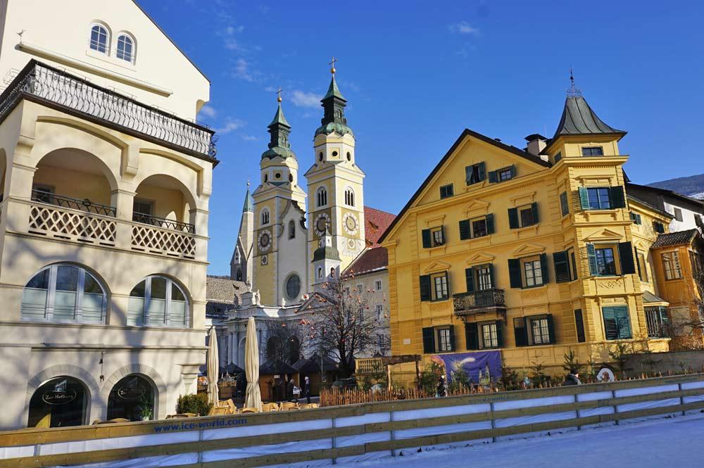 Blick in Richtung Brixener Dom und Domplatz