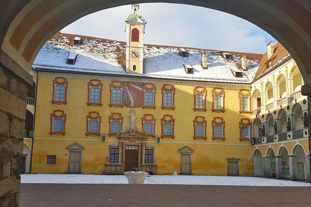 Innenhof der Hofburg Brixen mit Renaissanceloggien