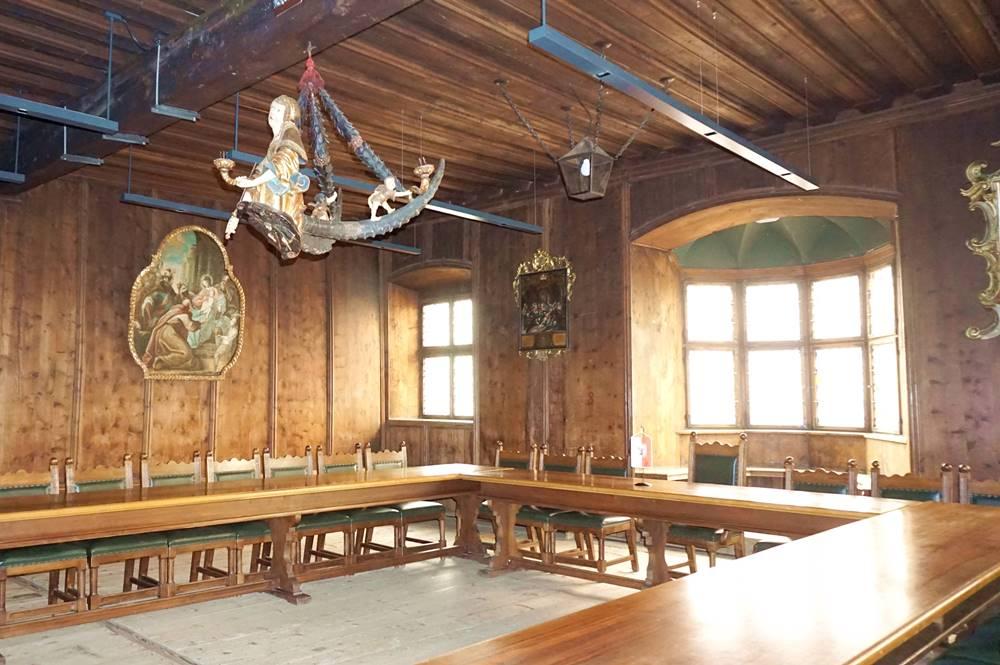 Alte noch original erhaltene Ratsstube im Rathaus Sterzing