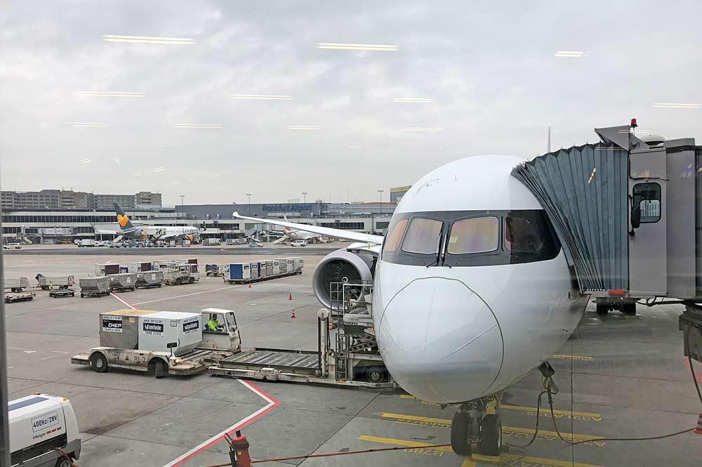 Flugzeug auf dem Frankfurter Flughafen