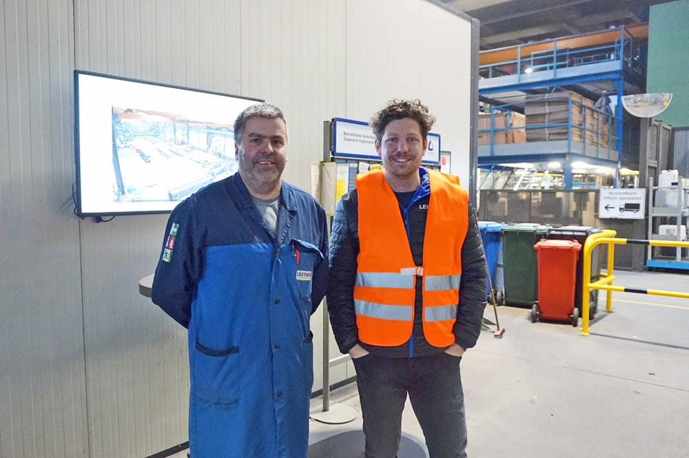 Martin Gasteiger aus der Produktion & Gotthard Schöpf, Head of Marketing zeigen uns die Produktionsstätte