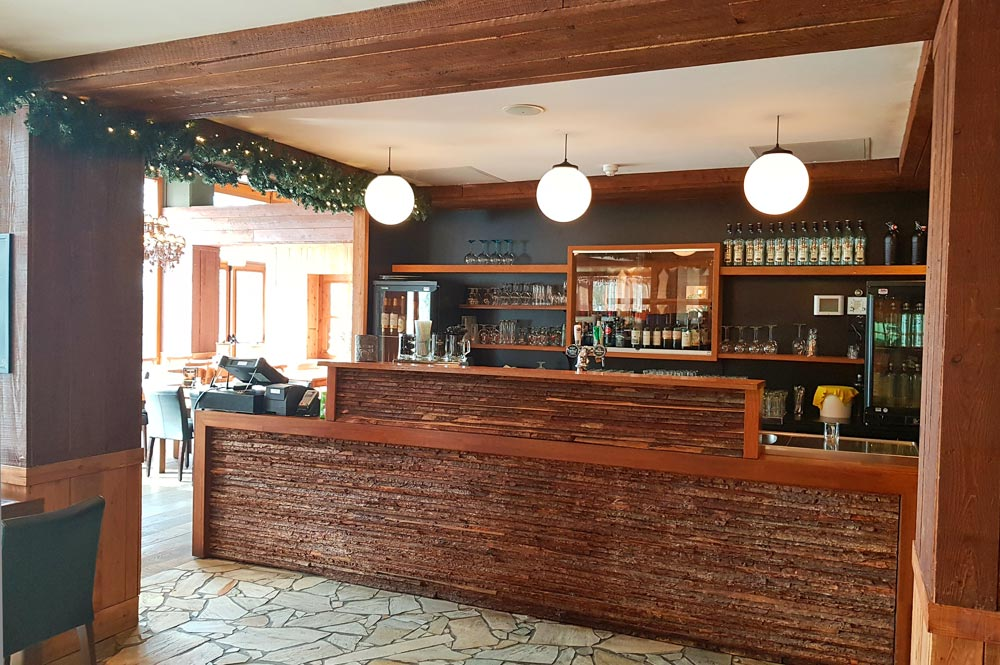 Bar in der Walliser Stube