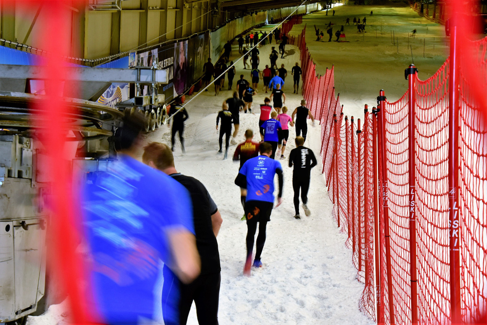 Läufer beim Cavemanrun Ice Edition in der SnowWorld Landgraaf
