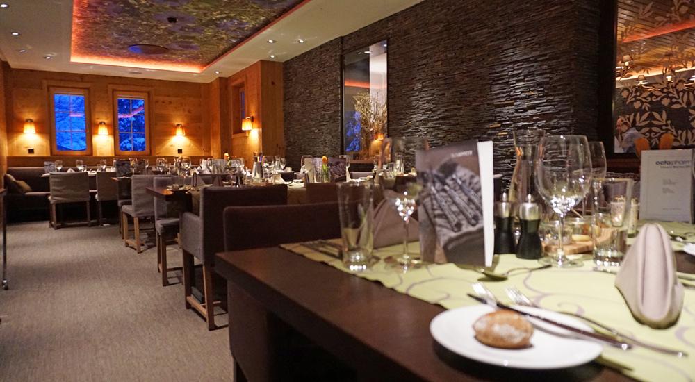 Tische im Restaurant des Valbella Inn Resort