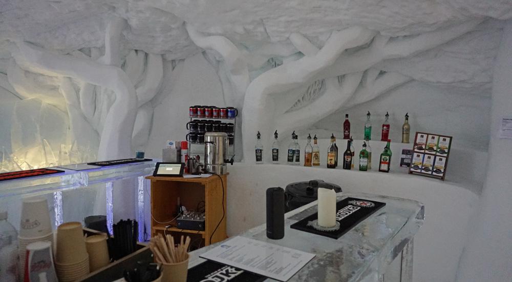 Bar im Igludorf auf der Parsenn