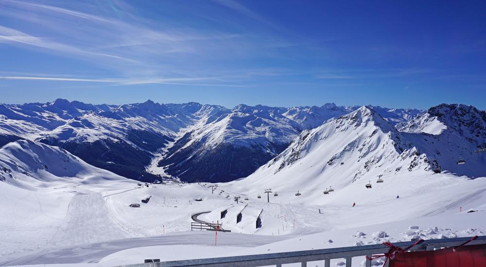 Panoramablick vom Weissfluhjoch