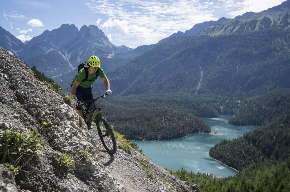 """Atemberaubend, flowig und einfach """"great"""": Das ist der Blindsee Trail in der Tiroler Zugspitz Arena."""