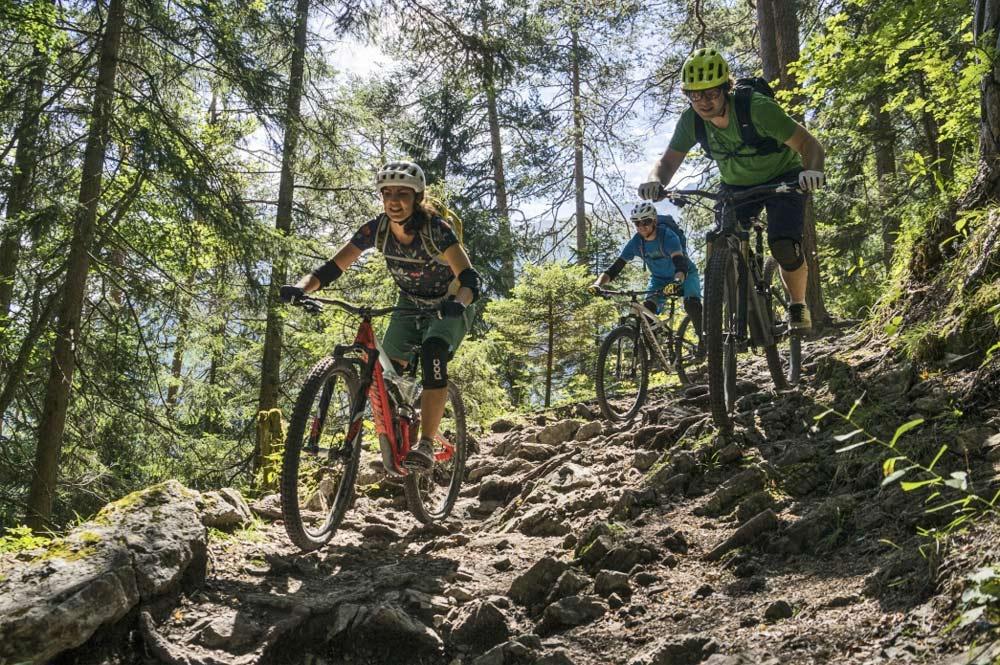 Der erlebnisreiche Weg ist für abfahrtsorientierte Mountainbiker das Highlight in der Tiroler Zugspitz Arena.