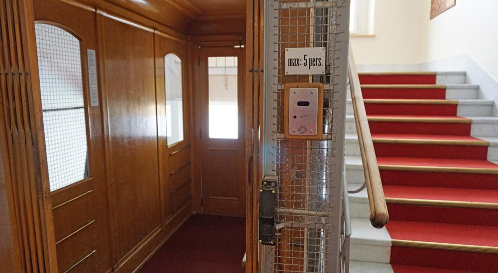 Alter Aufzug im Hotel Schatzalp