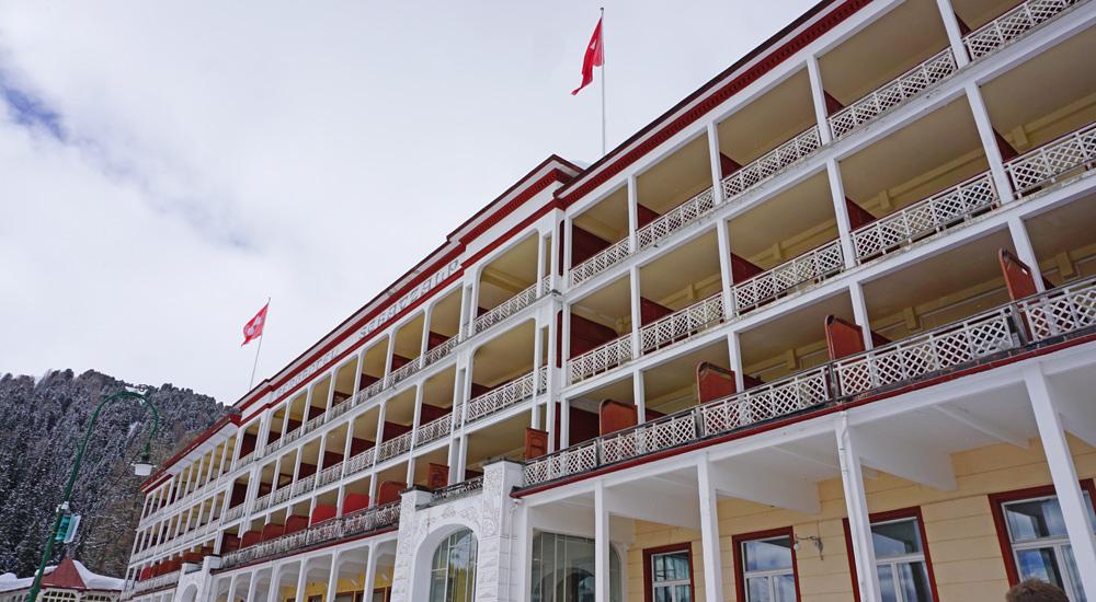 Blick auf das Hotel Schatzalp oberhalb von Davos