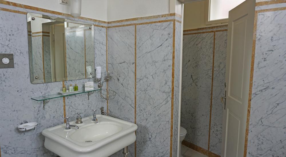 Waschbecken im Kaiserzimmer der Schatzalp