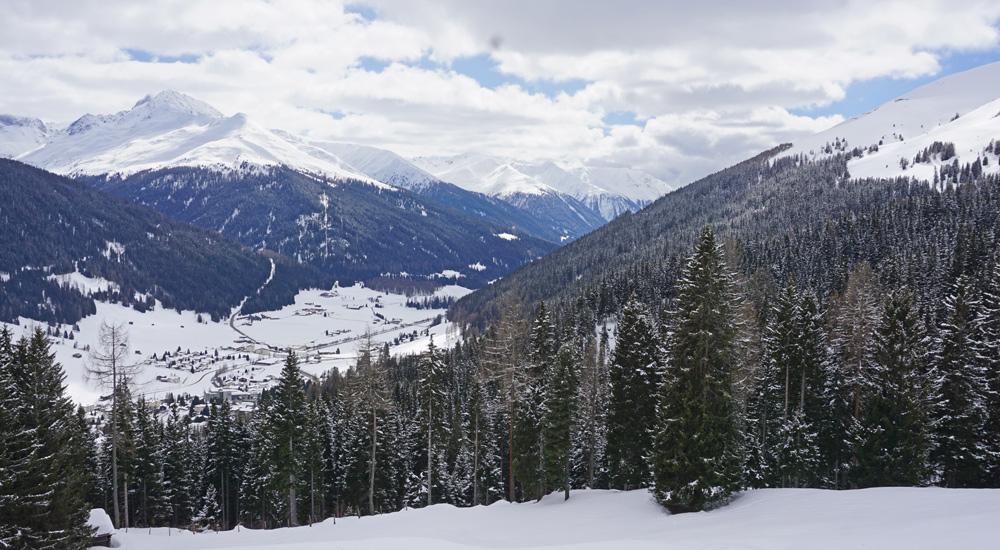 Ausblick von der Schatzalp ins Tal