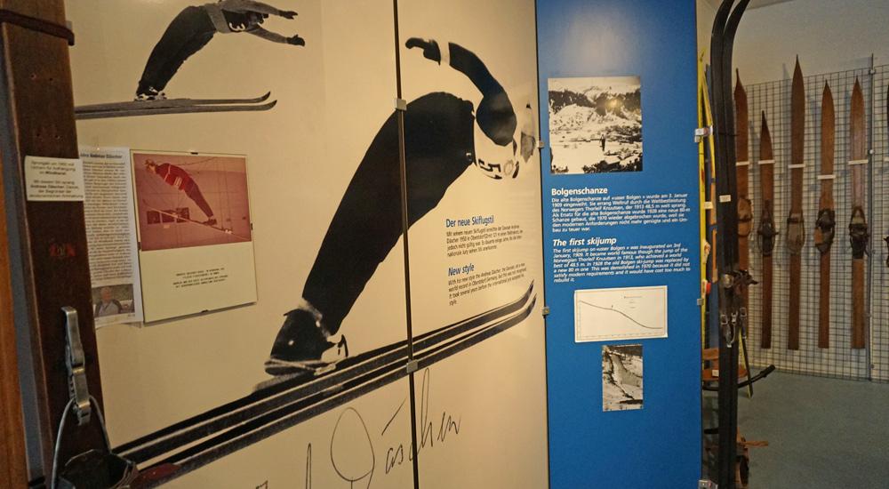Infotafel zum Skispringen in Davos
