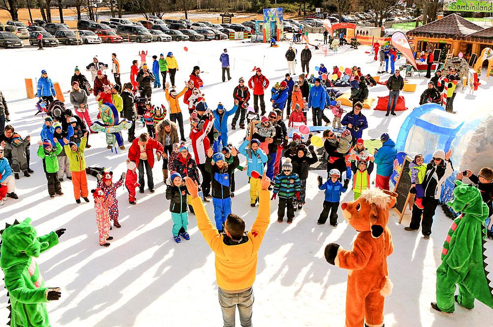Kinder beim Tag des Wintersports in Ramsau am Dachstein