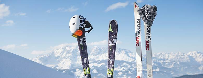 Skier von Atomic