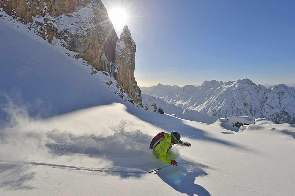 Skifahrer im Skigebiet Ischgl