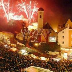 Feuerwerk über der Festung Kufstein