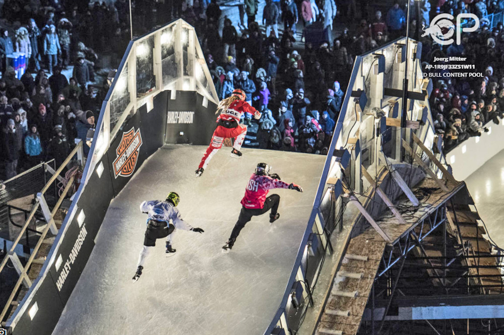 Athleten beim Red Bull Crashed Ice in Ottawa, Kanade 2017