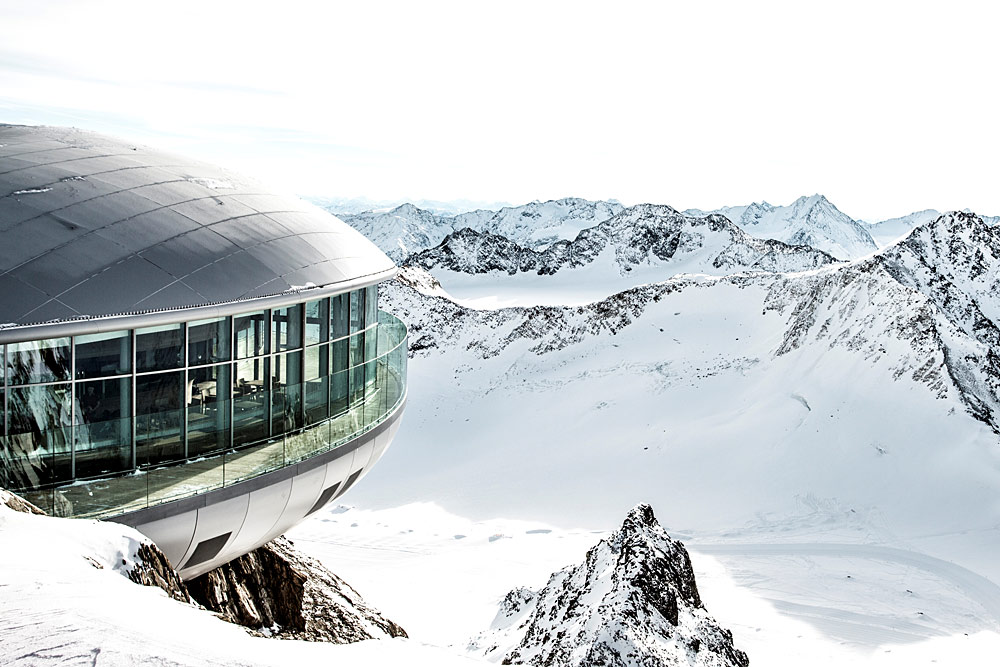 Die Bergstation der Wildspitzbahn im Skigebiet Pitztaler Gletscher