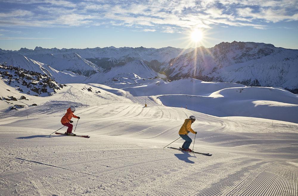 Skifahrer im Skigebiet Ischgl © TVB Paznaun - Ischgl