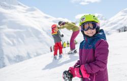 Familie mit Kindern in Andermatt+Sedrun+Disentis