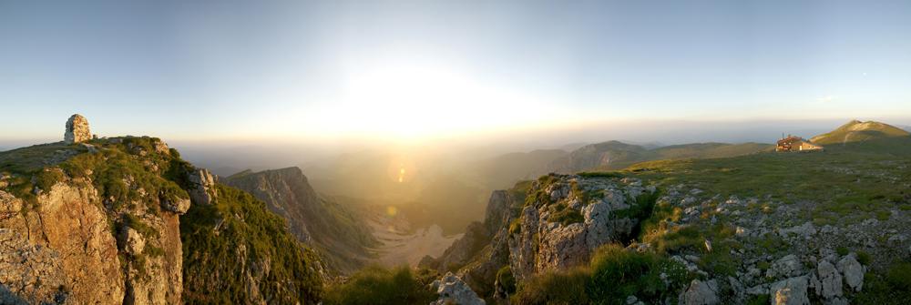 Panoramaausblick vom Schneeberggipfel