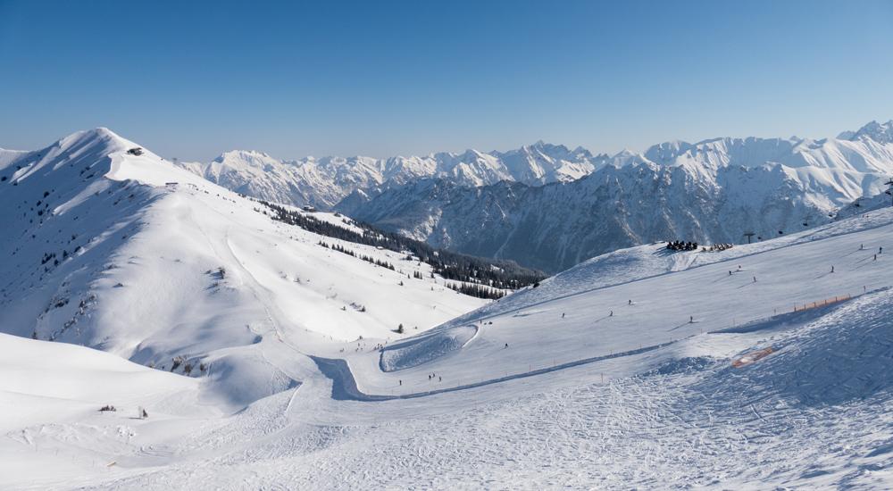 Ausblick auf das Zweiländer-Skigebiet Oberstdorf-Kleinwalsertal