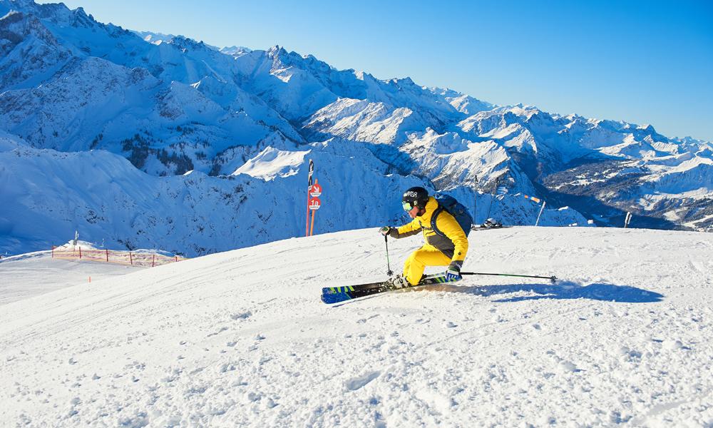 Skifahrer in der Skiregion Oberstdorf-Kleinwalsertal