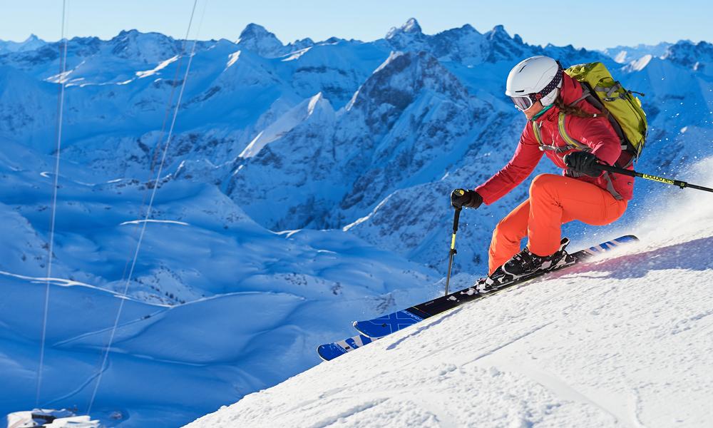 Skifahrerin am Nebelhorn