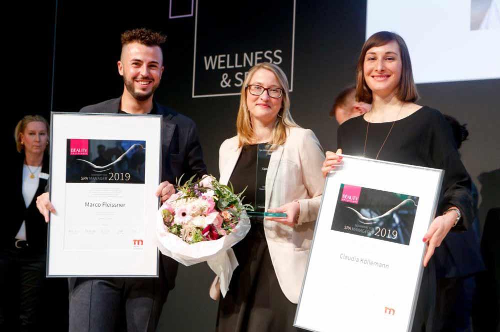 Karina Schulz, die Spa Mangerin des Jahres 2019 bei der Preisverleihung zusammen mit den beiden Finalisten