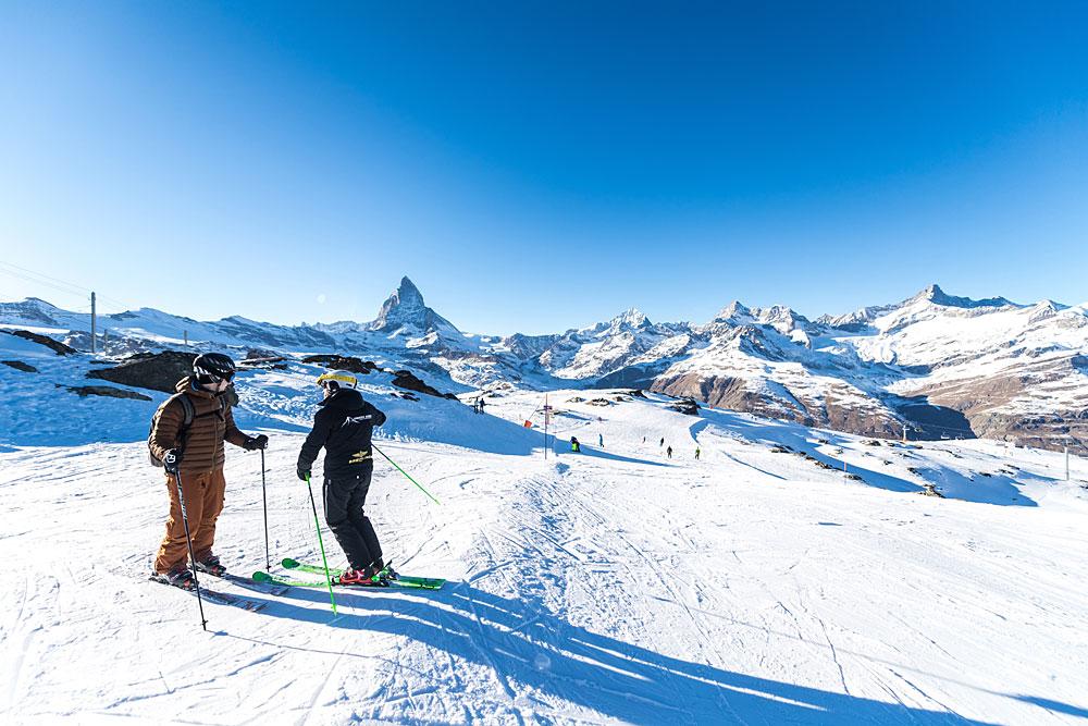 Skifahren in Zermatt mit Blick auf das Matterhorn