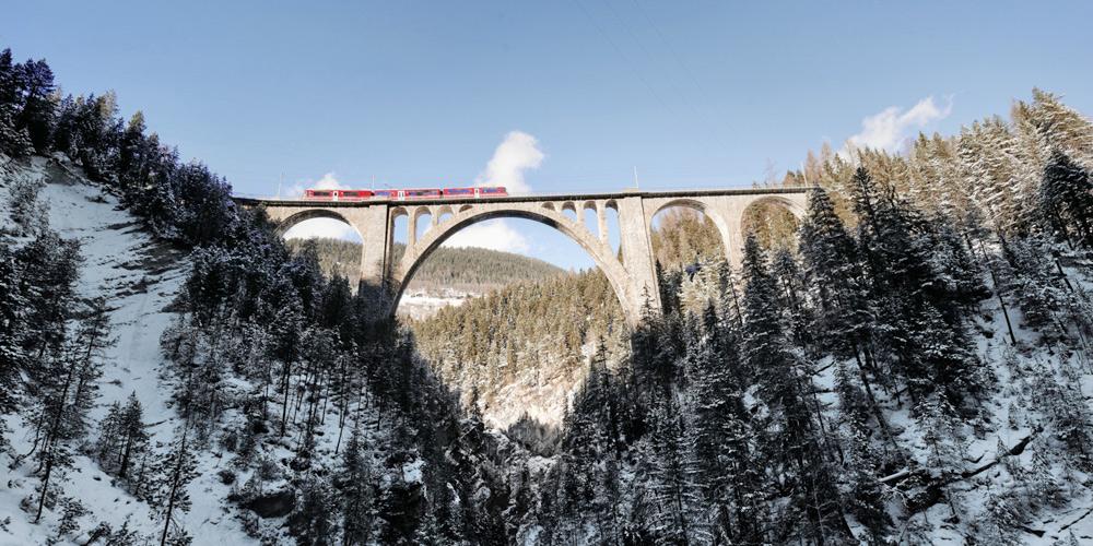 Steinbogenbrücke bei Davos