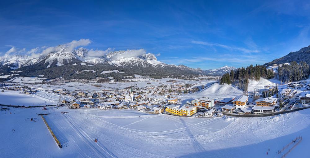 Blick auf Ellmau im Winter