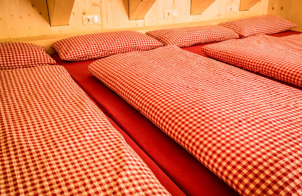 Matratzenlager in der Alpenrosenhütte