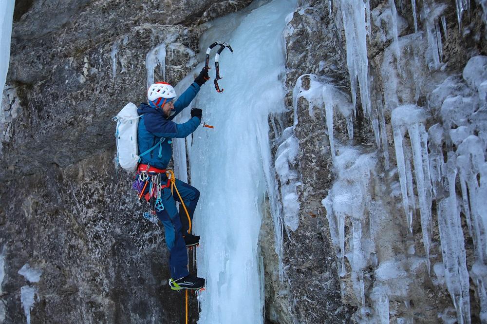Eiskletterer mit dem neuen WhiteOut Rucksack von EXPED