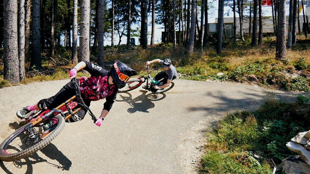 Mountainbiker auf dem Flow Country Trail im Bikepark Willingen