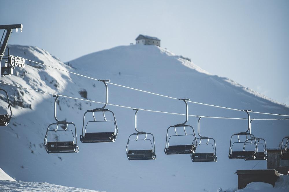 3er-Sessellift Helm im Skigebiet Drei Zinnen Dolomiten