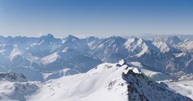 Blick auf das winterliche Alpe d'Huez