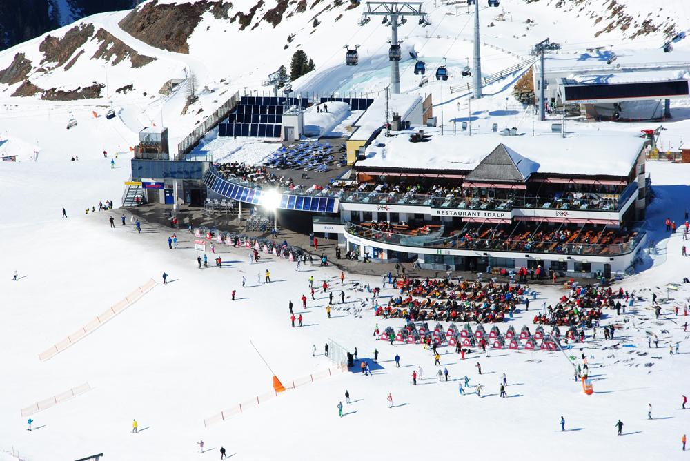 Restaurant Idalp mit Sonnenkollektoren im Skigebiet Ischgl