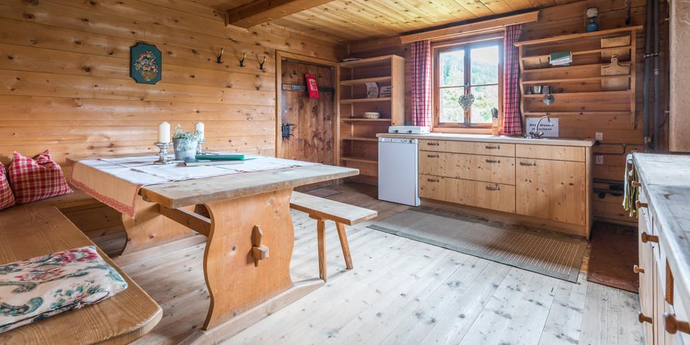 Küche in einer Almliesl-Hütte