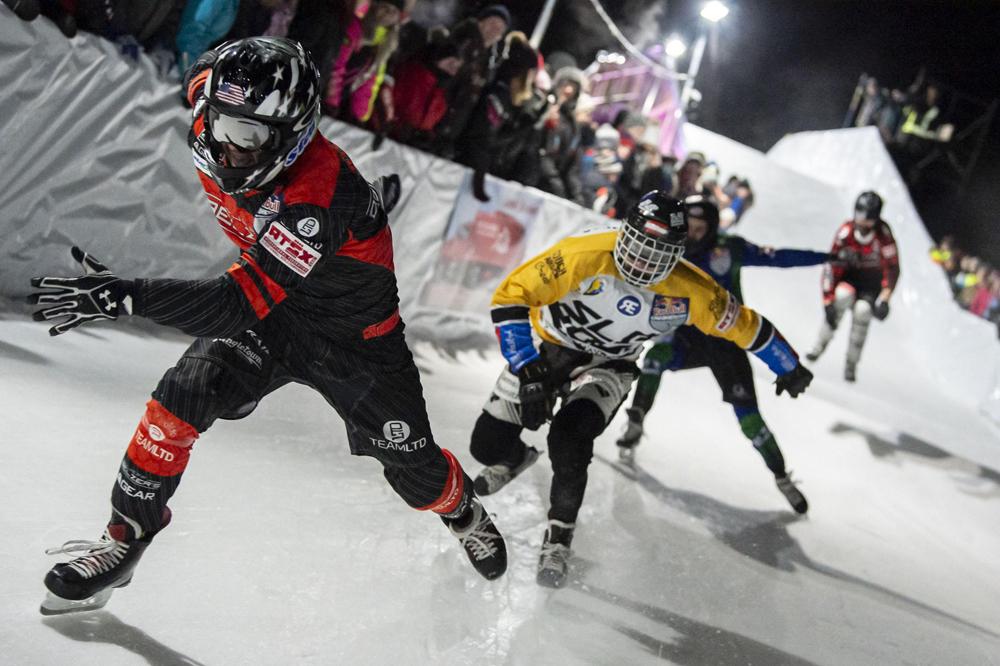 Teilnehmer beim Ice Cross Race