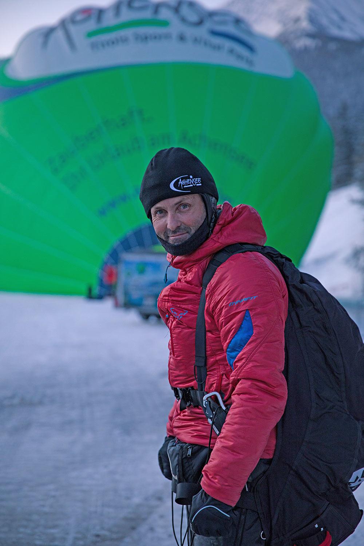 Mike Küng kurz vor seinem Weltrekordsprung am Achensee