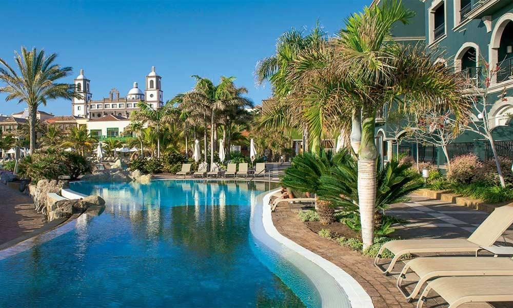 Poolbereich des Lopesan Villa del Conde Resort & Thalasso