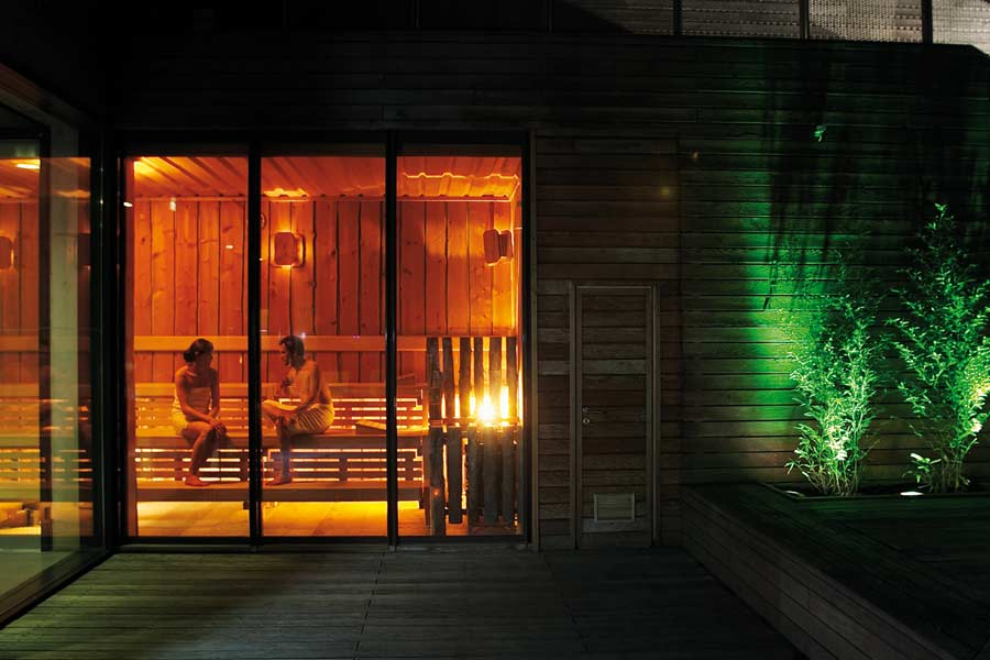 wellness mitten in der gro stadt seite 1 von 4. Black Bedroom Furniture Sets. Home Design Ideas