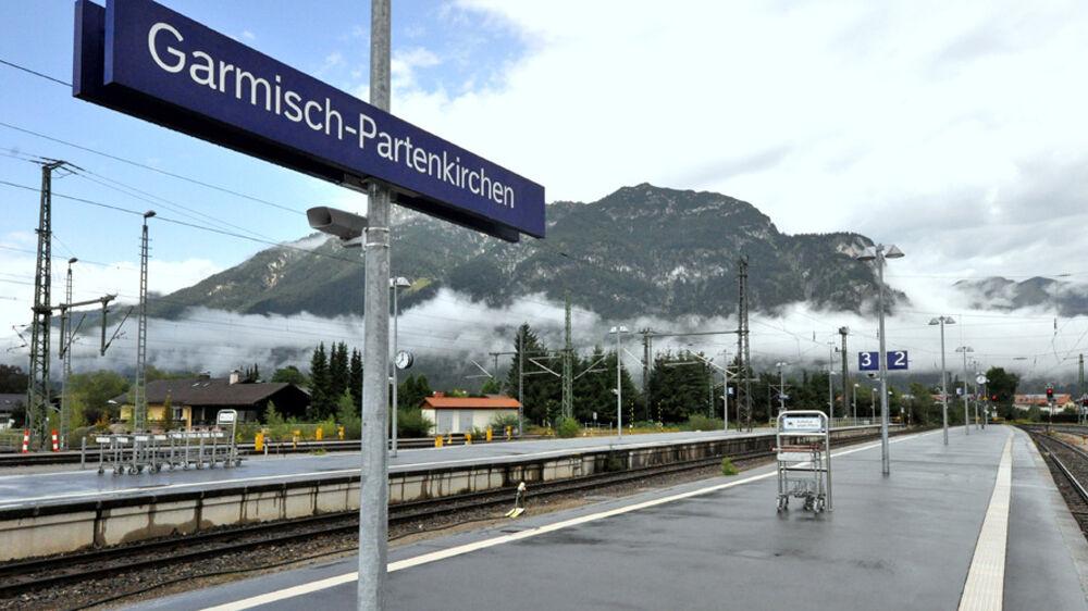 Blick auf den Bahnhof in Garmisch-Partenkirchen