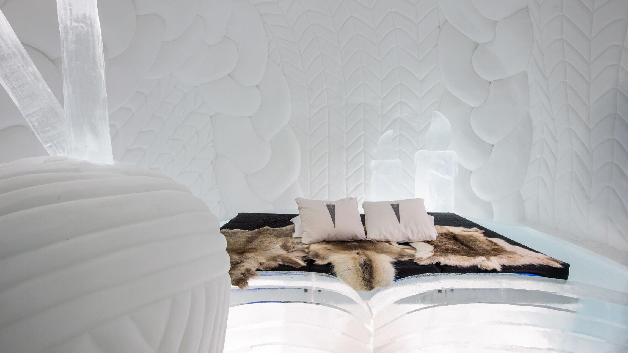 Blick in das Innere eines Eishotels von ICEHOTEL